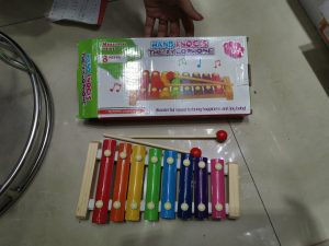 How is Suppliers of Hand Knocks The Xylophone In Yiwu Toys Market?